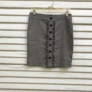 Windsor Houndstooth Pencil Mini w/frills! Size 5.